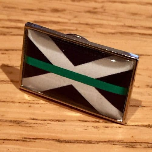 Thin Green Line Scottish Scotland Flag Medic Pin Badge EL TBL07S Green