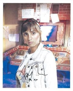 ANJLI MOHINDRA Sarah Jane Adventures, Genuine signed Autographs 10 x 8 COA 8403