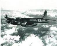 Brian Beattie & Des Curtis (WW2 Pilots) - Genuine Signed Autograph 7755